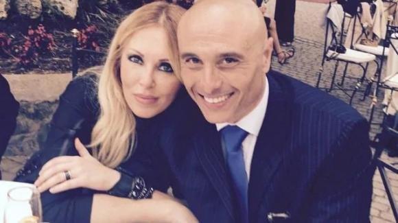Roberta Buzzone e la sua bellissima dedica d'amore al marito Massimo Marino per festeggiare i due anni di matrimonio