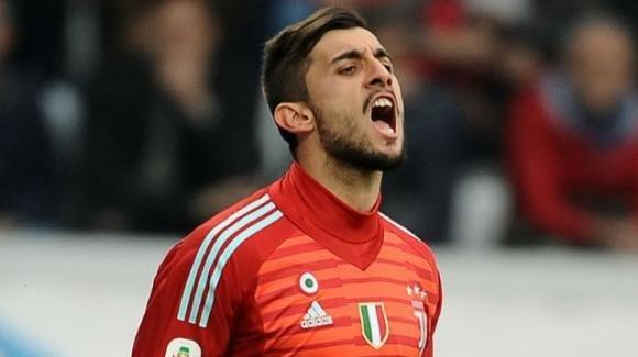 Calciomercato: le trattative della giornata. Inter e Napoli, due top-player in difesa. Novità sul futuro di Perin