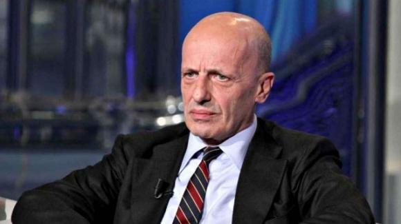 Alessandro Sallusti si schiera dalla parte di Salvini spiegando perché non sta con Carola