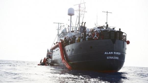 La nave Alan Kurdi verso Lampedusa. Previsto nuovo braccio di ferro con il governo
