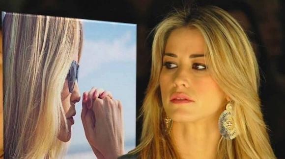 La risposta epocale di Elena Santarelli ad un hater senza scrupoli