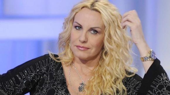 Antonella Clerici, la Rai decide di non affidarle nessun programma: la reazione stizzita della conduttrice