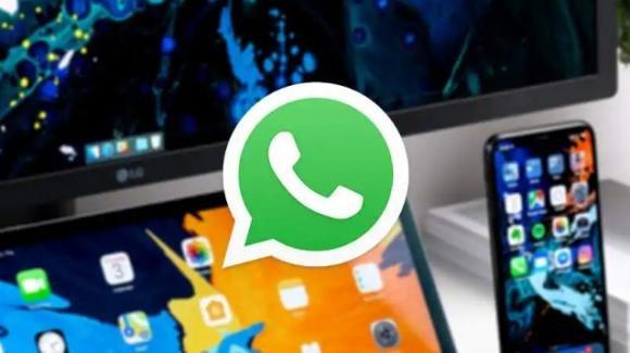 WhatsApp: in test la versione multipiattaforma (anche a telefono spento), e gli avvisi per gli update