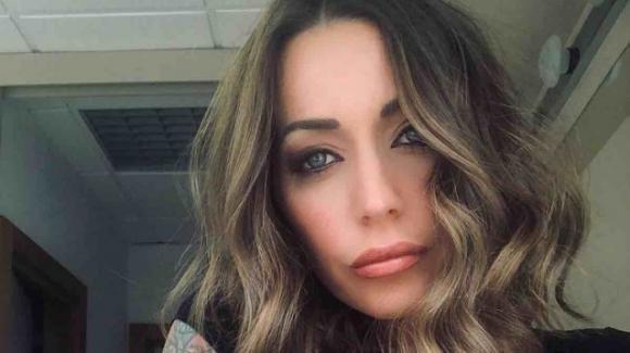 """Karina Cascella vittima di body shaming, lei risponde: """"Istigazione all'anoressia"""""""