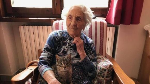 """Erminia, il segreto dei 111 anni: """"Sin da bambina ho sempre lavorato"""""""