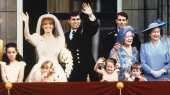 Sarah Ferguson e il principe Andrea, i fan festeggiano l'anniversario del loro matrimonio con un simpatico videoclip