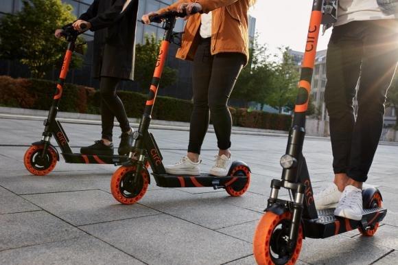 Circ: a Milano arrivano i monopattini elettrici in sharing. Quanto costa il servizio?