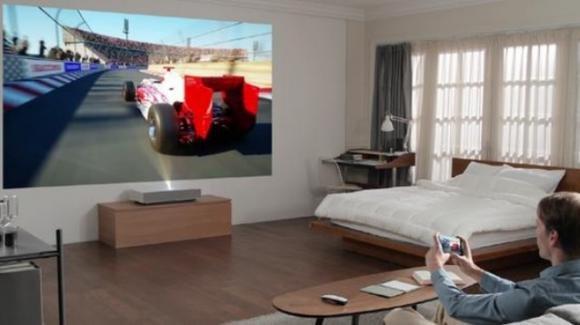 LG: intrattenimento outdoor e domestico di alto profilo con gli speaker XBoom e il proiettore smart HU85LA