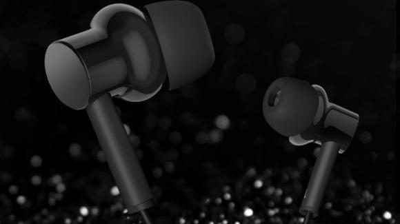 Non solo auricolari true wireless: da Xiaomi in arrivo una neckband con cancellazione ibrida del rumore