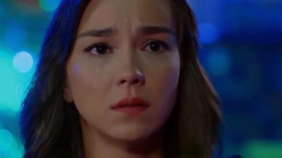 Bitter Sweet, anticipazioni turche: Alya si sente usata da Deniz e chiude con lui