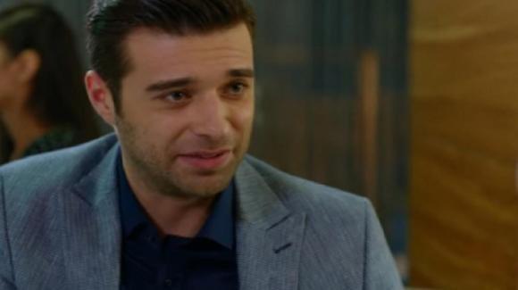 Bitter Sweet, anticipazioni turche: Fatos accetta di sposare Engin. Tarik furioso