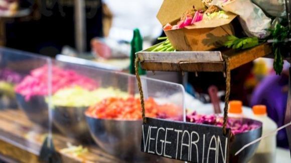 Mangiare meno carne ed essere più vegetariani aiuta a combattere i cambiamenti climatici