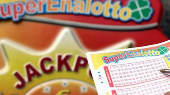 Superenalotto: vinti a Lodi 209 milioni di euro con una schedina casuale da 2 euro