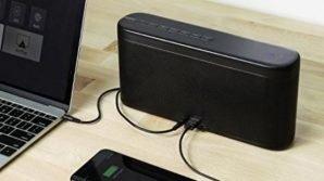 Aukey SK-M33: cassa Bluetooth da 35 watt con microfono integrato e funzione di powerbank