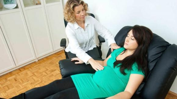 Partorire senza epidurale: basta l'ipnosi