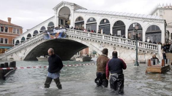 Il Mediterraneo innalzerà il suo livello di 20 cm entro il 2050: Venezia verrà sommersa
