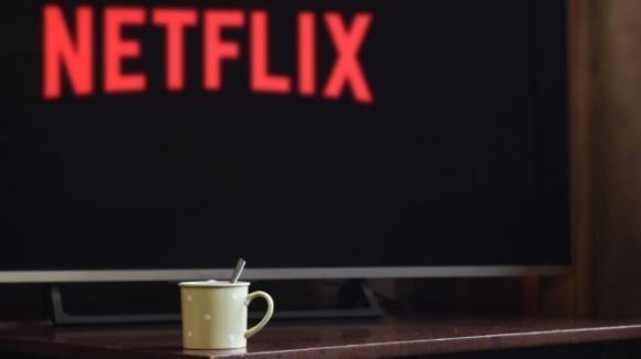 Netflix: in test le Collezioni curate da persone, in arrivo una serie TV e l'abbonamento per smartphone
