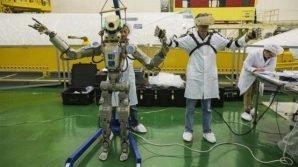 È attraccato alla Stazione Spaziale il robot russo Fedor: sa parlare, camminare, guidare, sparare e fare flessioni