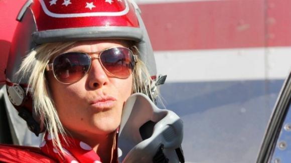 È morta Jessi Combs: aveva stabilito il record di velocità nel 2013 a 640 Km/h
