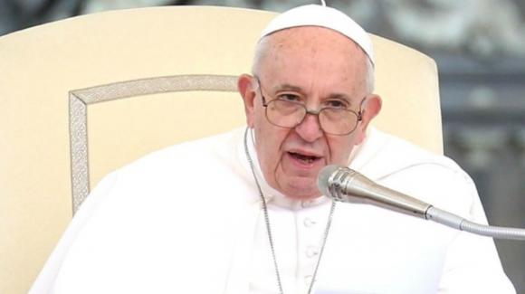 Papa Francesco chiuso in ascensore per quasi mezz'ora