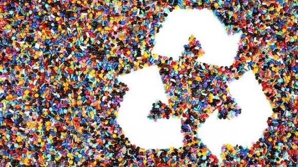 Modifica alle molecole della plastica per renderla ancora più riciclabile