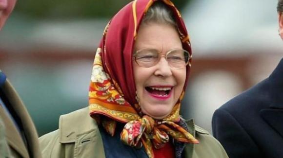 Scozia: turisti americani hanno parlato con la Regina Elisabetta II senza riconoscerla