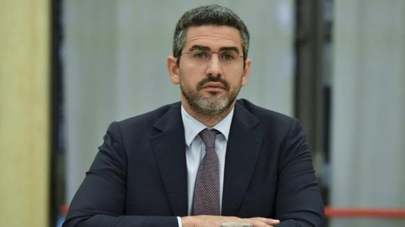 Riccardo Fraccaro garantisce su reddito di cittadinanza e quota 100