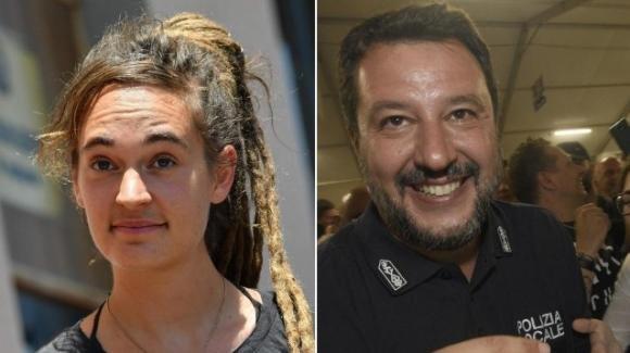 """Rackete-Salvini, il leader della Lega nel registro degli indagati: """"Per me è una medaglia!"""""""