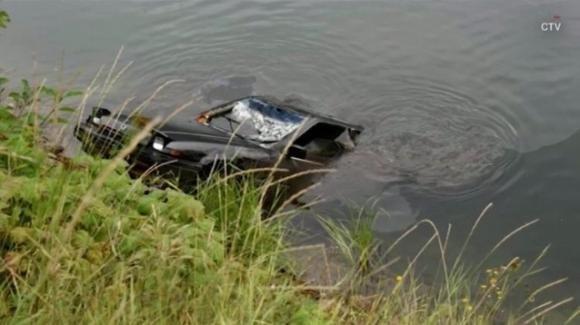 Canada, 13enne risolve un caso irrisolto da 27 anni tuffandosi in un lago con la sua action cam