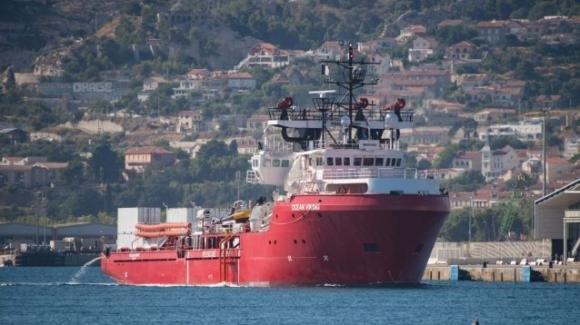 Migranti: Lampedusa è il posto sicuro per gli 82 naufraghi della Ocean Viking