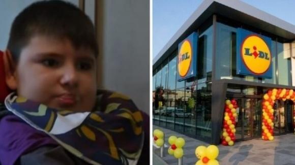 Francia: è morto Nolan, il bambino che 8 anni fa mangiò un hamburger contaminato dal batterio e-coli