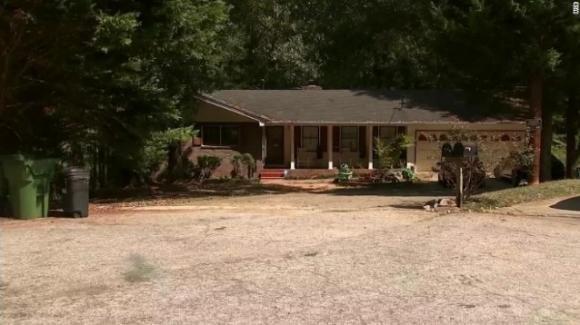 USA, tre adolescenti uccisi dal proprietario mentre tentano di rapinare una casa