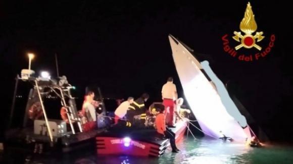 Venezia: offshore tenta il record e si schianta contro la diga San Nicoletto