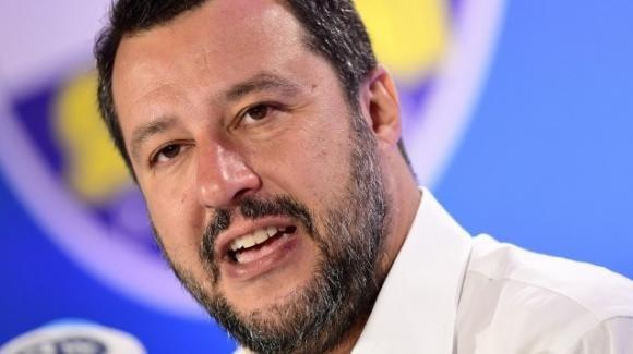 """Matteo Salvini, le parole sulla scissione di Renzi: """"È riuscito a fregare Conte, Zingaretti e Di Maio"""""""
