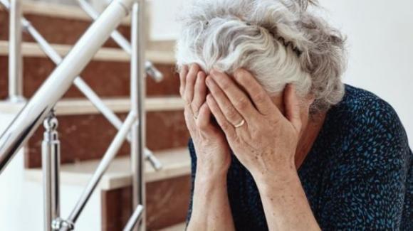 Messina, due minorenni rapinano e violentano una donna di 90 anni