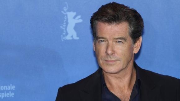 """Pierce Brosnan appoggia l'idea di un James Bond al femminile: """"Toglietevi di mezzo uomini"""""""