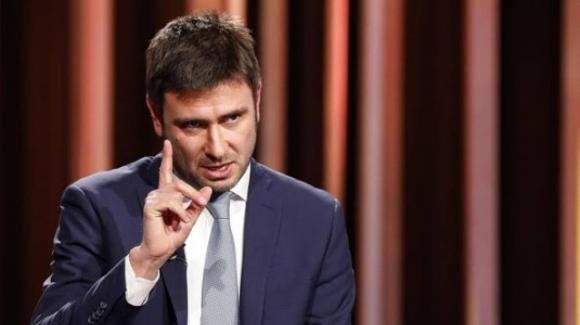 Alessandro Di Battista ricorda di essere sempre stato contrario all'alleanza PD-M5S