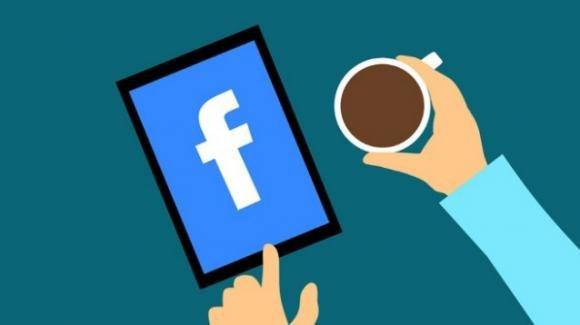 Facebook: fine settimana tra iniziative positive, polemiche e grane istituzionali