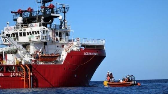 Messina, porto sicuro per i 182 migranti dell'Ocean Viking. Lo stabilisce il Viminale