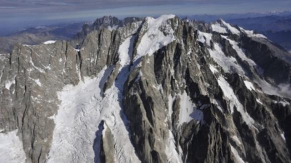 Monte Bianco: ghiacciaio controllato da nuovo radar. Neve rallenta la corsa