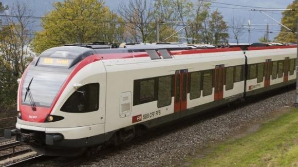 Regione Lombardia: ecco il treno ibrido (elettrico-diesel) per le tratte non elettrificate