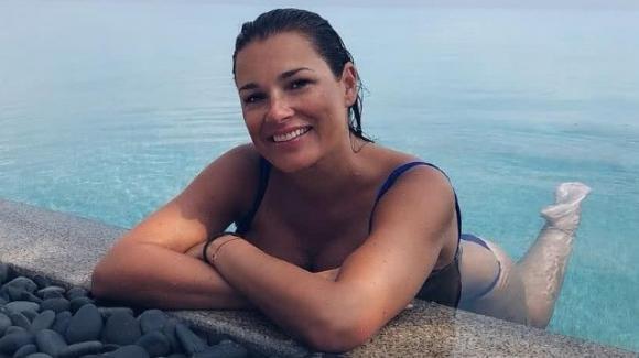 Alena Seredova leggermente ingrassata, la top model mostra le sue curve esplosive
