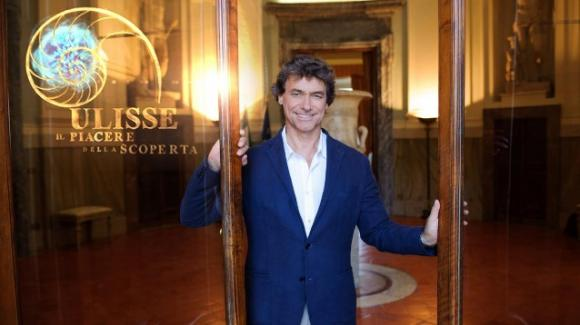 """Alberto Angela batte Maria De Filippi e commenta: """"Non facciamo questi programmi per il risultato"""""""