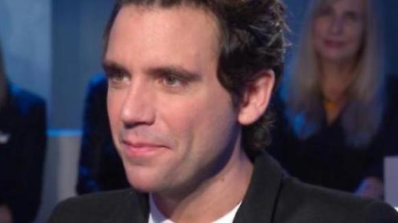 """Domenica In, Mika racconta il difficile passato e la malattia della madre. Alla Venier: """"Il tuo show ha un cuore"""""""