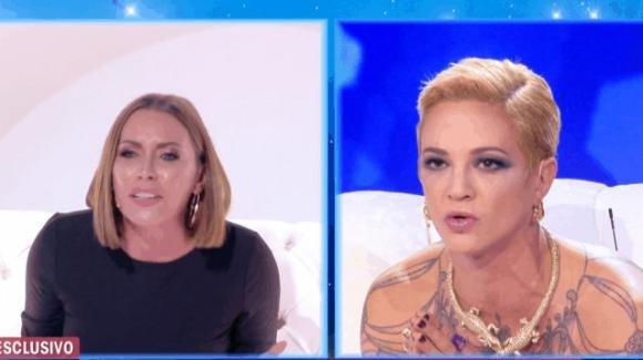 """Live – Non è la D'Urso, Asia Argento attacca Karina Cascella: """"Non so chi sei e che posto hai nel mondo"""""""