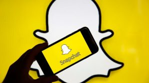 Snapchat: condivisione dei post da Reddit, nuovo filtro AR con Spotify, accordi per sezione notizie