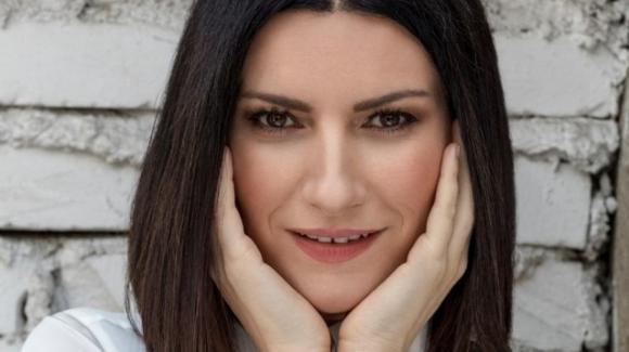 """Laura Pausini si confessa a cuore aperto: """"Ecco perché adesso sono un po' meno cesso"""""""