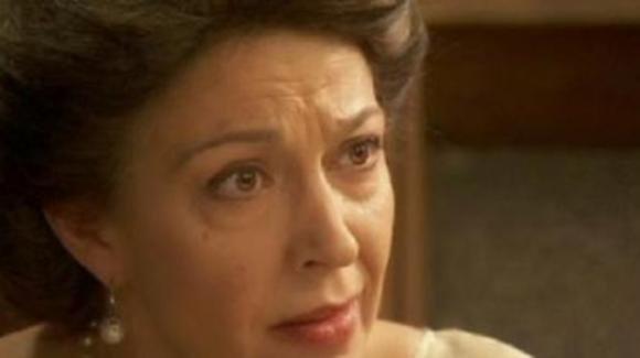 Il Segreto, anticipazioni spagnole: Francisca lascia Puente Viejo e permette a Mauricio di riunirsi con Fe