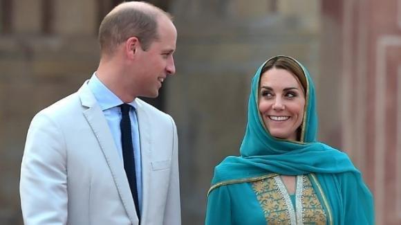 Kate Middleton e William giocano con i bimbi malati, il ricordo di Diana si fa vivo
