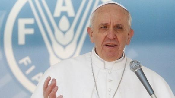 Papa Francesco: sobrietà e semplicità combattono i disturbi alimentari